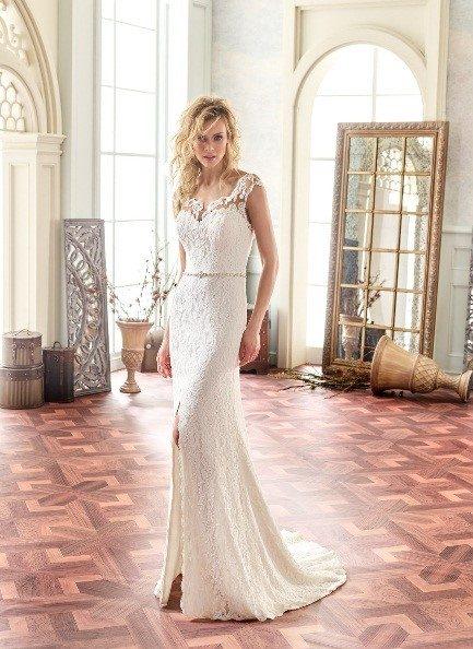 c8c2e4016b2516 ... maakt valt er eerst een stilte die al snel gevolgd wordt door veel  ohhhhhh s en ahhhhh s. Elke bruid is prachtig en elke bruidsjurk is  romantisch.