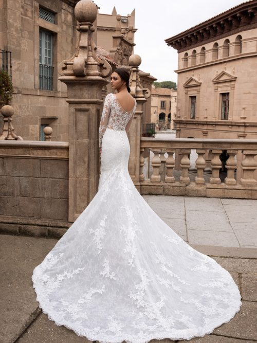 Trouwjurken En Bruidsjurken Vind Je Bij Covers Bruidsmode